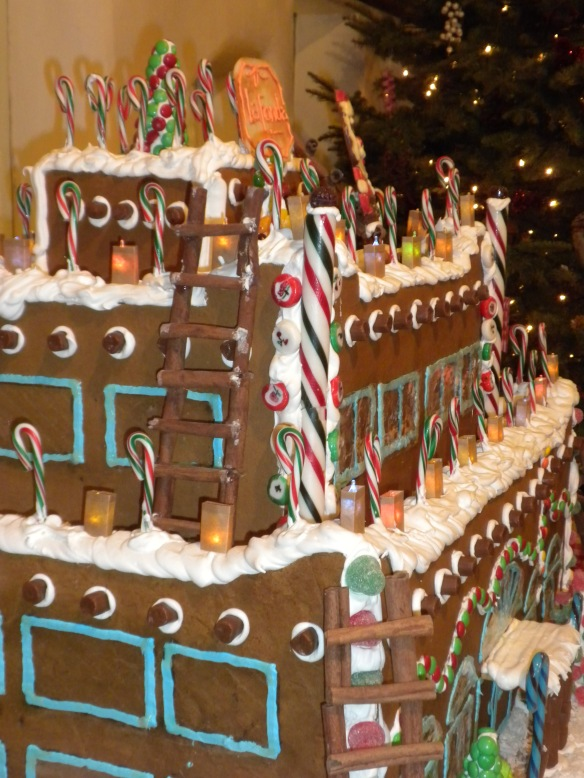 A New Mexican style Gingerbread House
