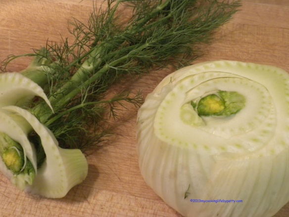 Wash the fennel bulb and remove the top and trim the bottom. Cut the bulb in half and slice it thinly.
